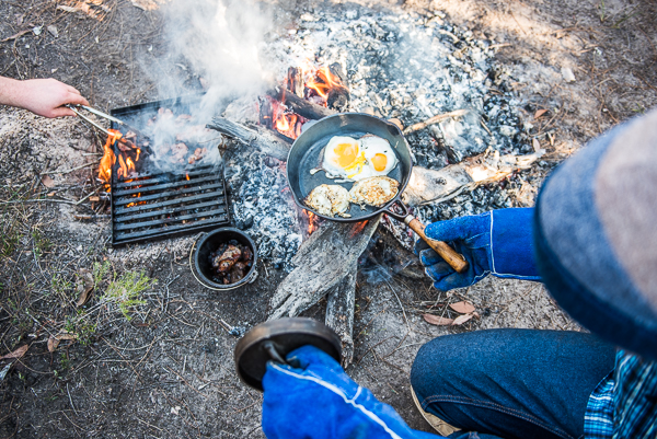 Making breakfast on open fire